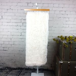 Celebrity Home soft faux fur throw blanket